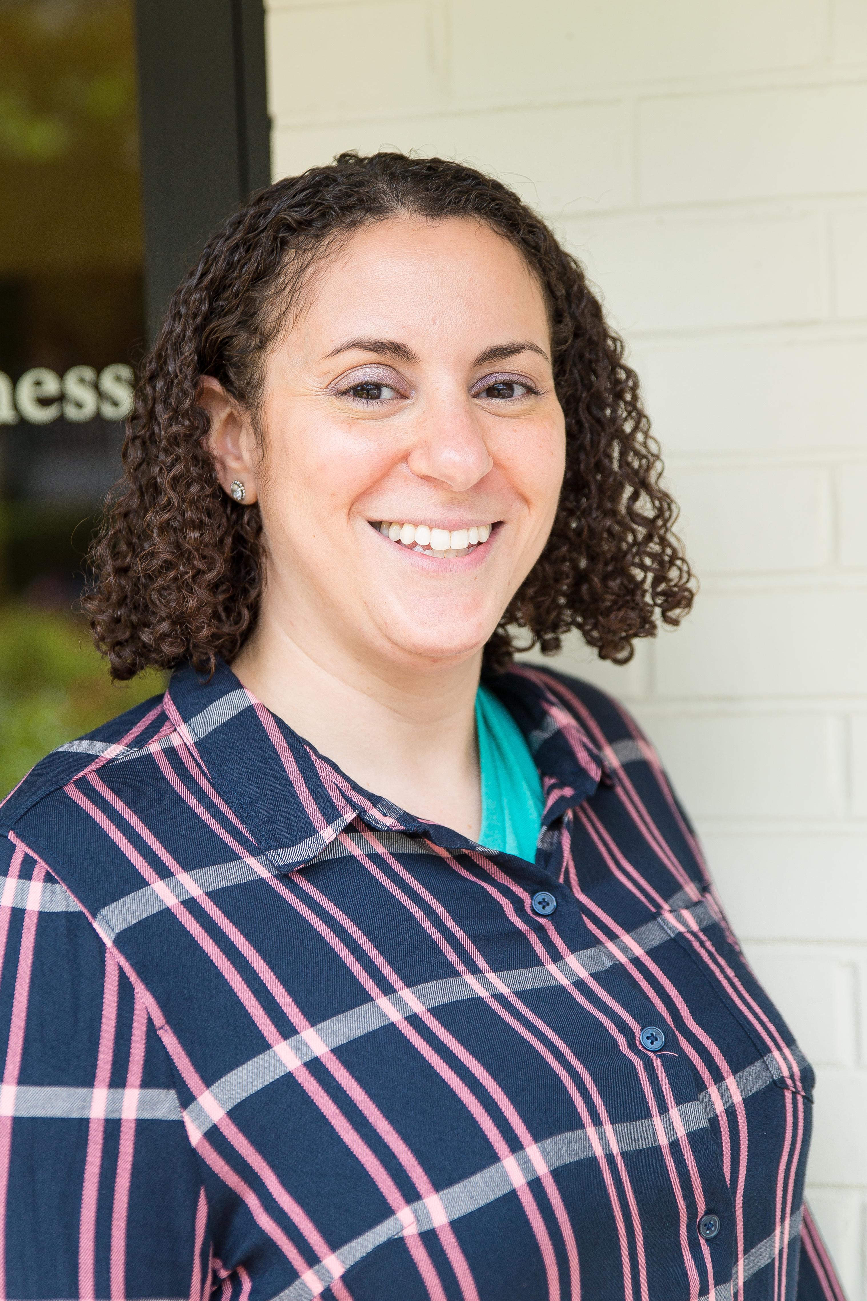 DR. SARA LEACH